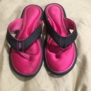 Nike Shoes - Not my size anymore
